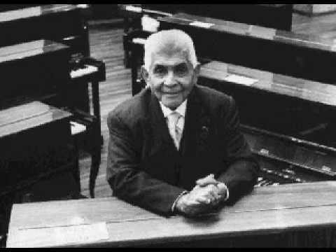 Julian Carrillo - Primer Concierto En Cuartos De Tono Para Violin Y Orquesta