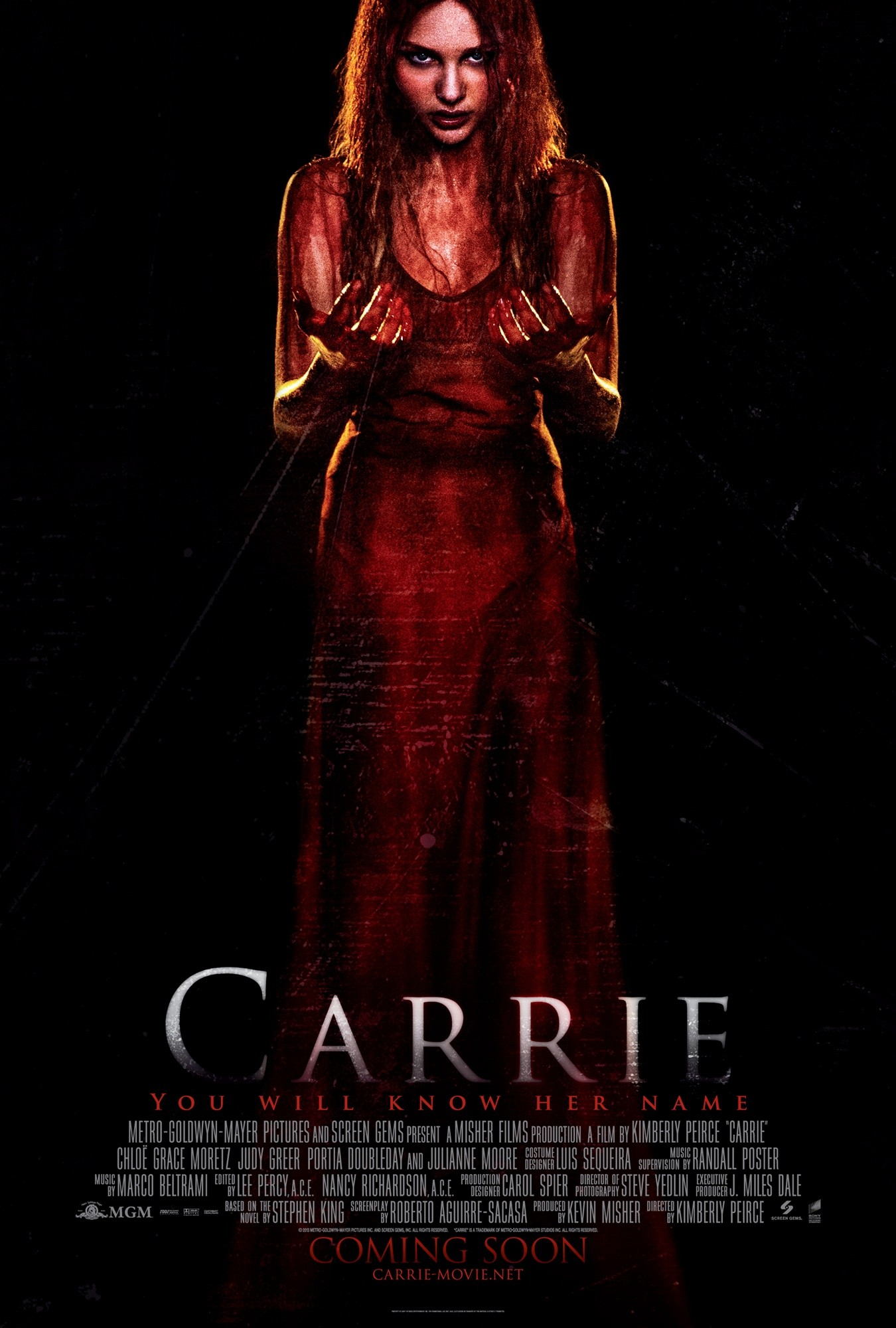 Carrie --  Remake  -- 05/12/2013 -- Nuevo Trailer Carrie-poster